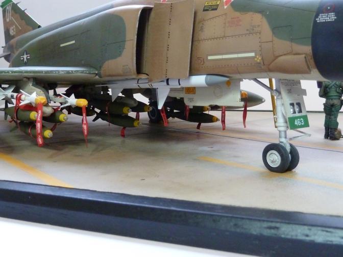 Tamiya McDonnell-Douglas F-4D Phantom II (Diorama Base)