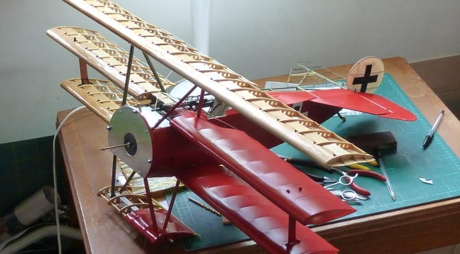 FOKKER DR.1 – HASEGAWA 1:8 (PART 15) Fuselage Covering and Wing Installation