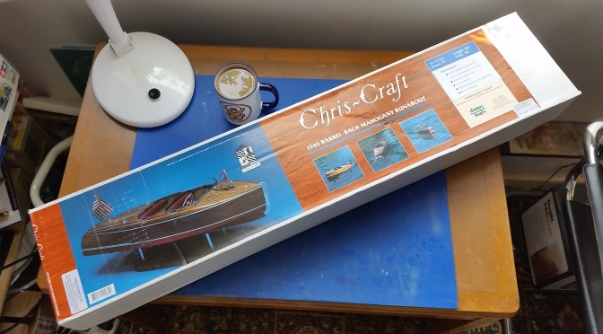CHRIS CRAFT 19ft 1940 Barrel Back – Dumas 1:8 (Part 1)